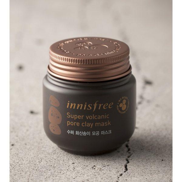 Innisfree – Jeju Volcanic Mud Pore Clay Mask